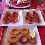 tomates mozarrela buffala, pan con tomate, anchois