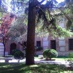 Otro de los patios del Colegio Mayor