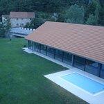 piscina municipal cubierta, vista desde la habitacion
