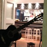 il bar ripreso dal terrazzo
