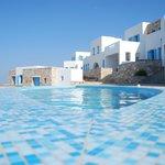 piscina e camere lato alto