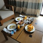 Breakfast room service style