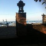 aan het strand en direct bij koraalrif Amed