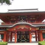 楼門型の分霊社・尊星殿