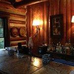 Foto de Rustico at the Log Cabin