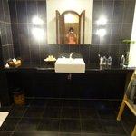 The batroom od Deluxe Seaview room