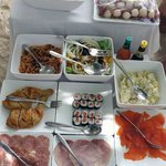 delicious picnic lunch