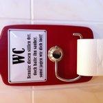 Omamäßiger Toilettenkitsch