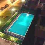 Vista notturna piscina  dal 5°piano