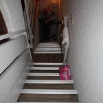 Escaliers des chambres à la sortie!!