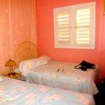 La chambre, Climatisation, eau chaude, ventilateur, frigo