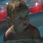 In het kinderzwembad