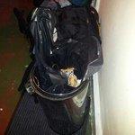 dans la chambre 18 personnes 1 poubelle jamais nettoyez