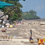 Widok na plażę Bamburi/