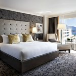 Fairmont Gold View Room