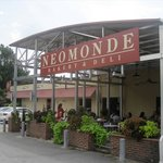 Neomonde Raleigh Cafe & Market
