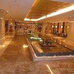один из вестибюлей отеля