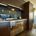 LakeRidge Queenstown kitchen