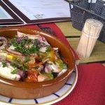 Salade de poulpe en cassolette (très bon !).