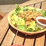 ボリューム満点のサラダ!