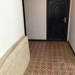 colchones por los pasillos