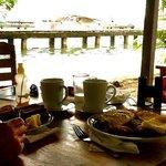ontbijt aan het water