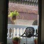 Blick aus dem Gemeinschaftsraum auf den Balkon