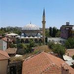 окна выходят прямо на мечеть