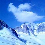モンブラン山頂は雲にかくれてます。