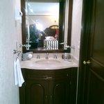 Este es el lavamanos del baño