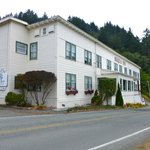 Exterior of the hotel - hotel overlooks the Klamath river