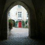 il cortile dell'abbazia