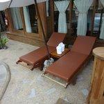 Santhiya See View Pool Villa Suite -- Liegen