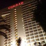 Facciata Conrad Hotel