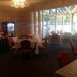 collonade breakfast room