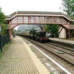 4965 ROOD ASHTON HALL, one of the beautifully restored steam locomotives storms through Wilmcote