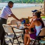 Restaurante Buen Gusto, frente al mar
