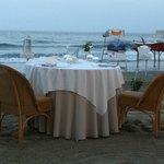 Tavolo in riva al mare