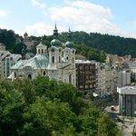 Blick auf das Kurviertel von Karlsbad vom Balkon