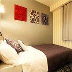 single semi double room