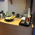 無料の朝食 パンと飲み物