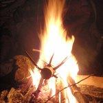 Lagerfeuer mit Freunden oder Familie - immer ein Erlebnis