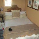 Bedroom (Compact)