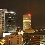 Vista de noche de la ciudad .