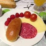 買ってきたフルーツとホテル朝食