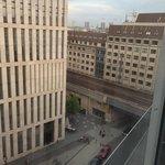 Вид из окна номера на 8-ом этаже