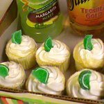 Margaritaville cupcakes for college Graduation party.