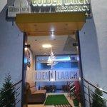 Photo de Golden Larch Residency