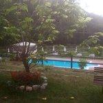 vista con piscina