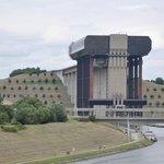 Ascenseur moderne funiculaire de Strepy-Thieu
